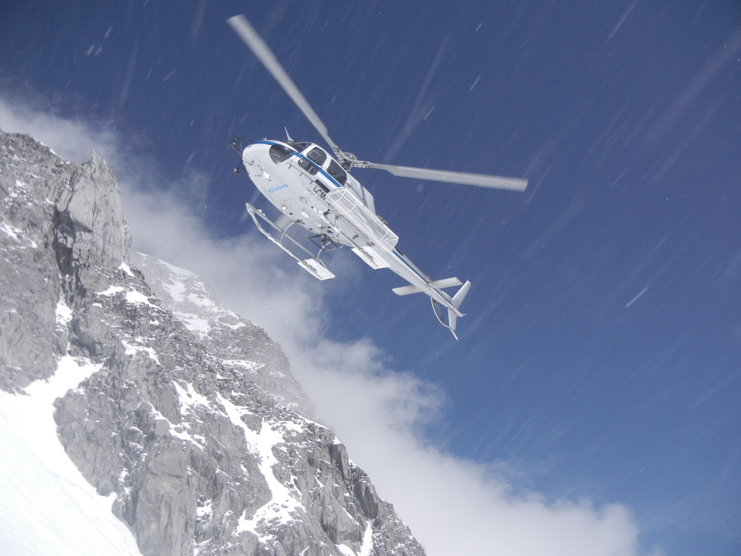 Helicopter, Heli skiing, Gressoney, Italy